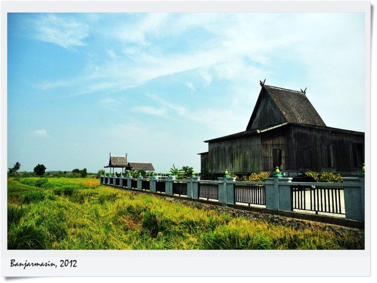 Rumah Adat Khas Provinsi di Kalimantan Beserta Gambarnya 1