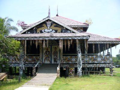 Rumah Adat Khas Kalimantan